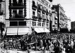 Processó cívica amb l'Senyera 9 d'octubre 1934, carrer de les Barques.ES.462508.ADPV / Col·lecció Corbín, imatge nº 10139