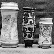 ENRIQUE CARDONA. Tres albarelos y un melero. Cerámica miedeval. 1925. ES.462508.ADPV/Colección Cardona, imagen nº 00673