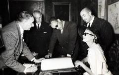 Signatura dels prínceps de Mònaco en el llibre d'honor de la Diputació de València